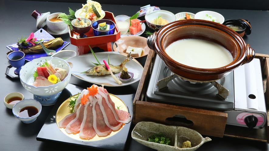 【スタンダードプラン】豆乳しゃぶしゃぶをメインとし、ゴマ豆腐、湯葉刺しなど大山ならではの数々の豆腐創
