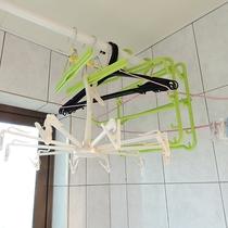 *バスルーム/お洗濯用のハンガーも用意しております。長期滞在に便利。
