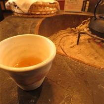 *めぐすりの木のお茶/ウェルカムドリンク、ぽかぽかと温かく、柔らかな風味と香りをぜひご賞味下さい