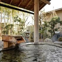 *【風呂】蔵王石の一枚岩をくり抜いた露天風呂は当館の自慢!