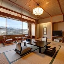 *【部屋】お部屋からも雄大な蔵王連峰を一望できます。