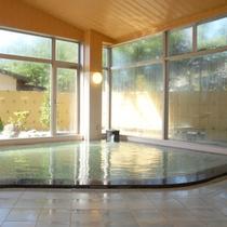 *【石渕の湯】宿泊棟にある大浴場です。身体の芯から温まります。