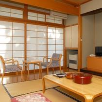 *【客室】和室8畳/畳の上で足を伸ばしてのんびりお過ごしいただけます。