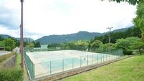 *テニスコート(ナイターも完備♪)