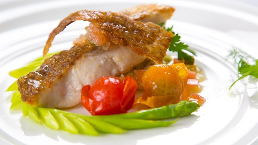 【お料理一例】色彩豊かな季節の料理