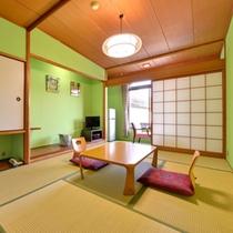 *2F本館和室7.5畳(客室一例)/足を伸ばしてごゆっくりお寛ぎ下さい。