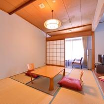 *3F本館和室7.5畳(客室一例)/穏やかに波打つ潮騒をBGMに寛ぎのひと時を。