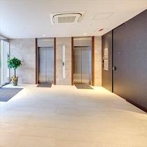 1階入口エレベーターホール