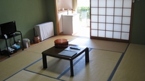 *客室一例/10畳のシンプルな和室タイプをご用意しております。