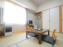 【和室6畳】寛げる雰囲気の和室です。足を伸ばしてお休みください。