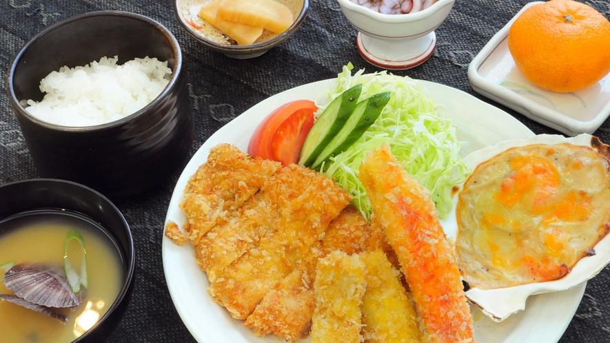 【夕食膳】しっかり食べて、翌日への英気を養いましょう