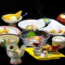*【グレードUP会席】一例。料理旅館として、季節感を大切にした、旬の素材を使った会席でおもてなし。