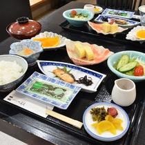 *【朝食一例】