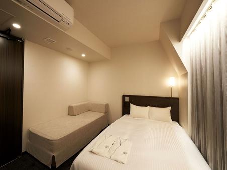 【禁煙】リラックスダブル ベッド幅140cm×1台&ソファ