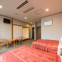 *【客室一例/和洋室】ツインベッドルームと和室がございます。