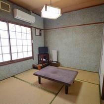 【和室5畳一例】一人旅のお客さまにおすすめ。ごゆっくりとお寛ぎください。