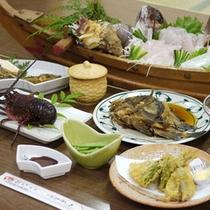 ◎その日に上がった新鮮な食材や専用いけすにある食材を、お刺身でお召し上がりいただけます。
