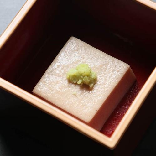 特製ごま豆腐*懐かしさ感じる日本の味!