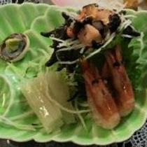 【刺身】海ならではの新鮮なお刺身です。