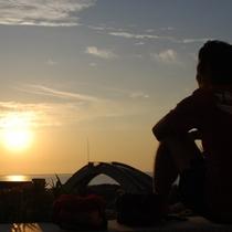 【癒し】日ごろの疲れを癒してくれる優しい夕日。