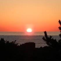 【ひとりじめの夕日】自慢の夕日♪ただただ 見つめていたい。