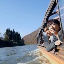 【滞在イメージ】最上峡芭蕉ライン舟下り。数々の絶景ポイントを巡る約1時間の船旅