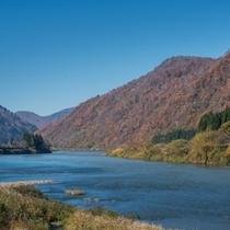 日本三大急流 最上川/紅葉の最上川