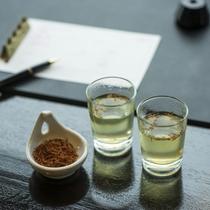 【館内サービス/ウェルカムドリンク】チェックイン時に紅花茶をご用意してお待ちしております