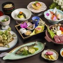 【夕食/春の美食膳例】最上の春の味覚をふんだんに使用し、山菜料理など風味豊かな季節の料理が並びます