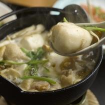 【紅オリジナル塩芋煮】鶏肉と旬の野菜で温まってください