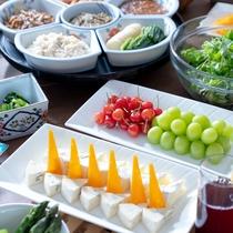 食後や合間にフルーツやチーズをひとつまみ