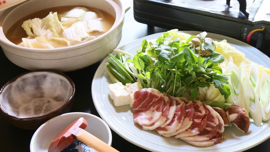 冬の郷土料理といえば・・・しし鍋☆体ぽかぽか温まる♪
