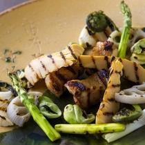 春の野菜と冠地鶏の炙り 蕗味噌や鶏味噌をつけて春を頬張ります。