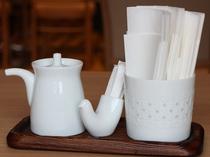 レストランのテーブルウェアには白山陶器