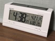 デジタル時計(アラーム機能付)