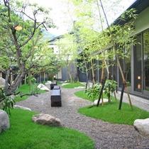 日本庭園(中庭)