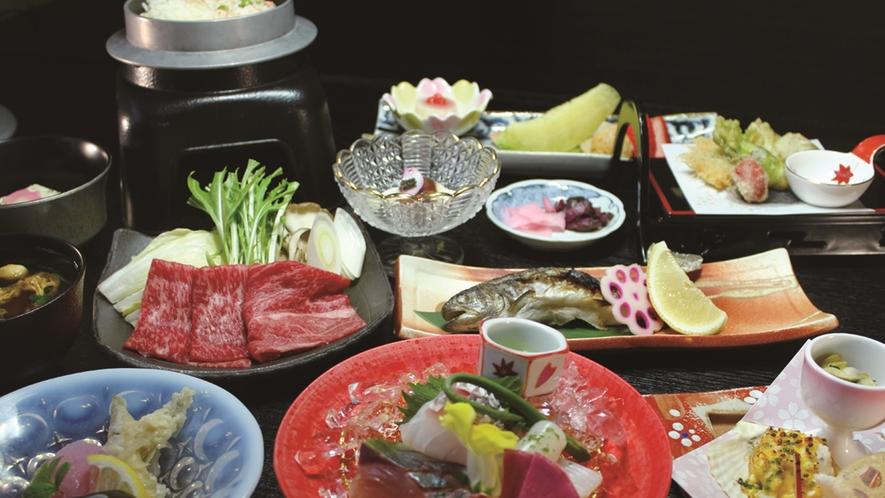 *【ご夕食(一例)】地元の食材をふんだんに使った月替わりの夕食です。