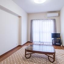*【客室/2DK】テレビがあり、無料Wi-Fiも完備。お部屋でごゆっくりおくつろぎいただけます。