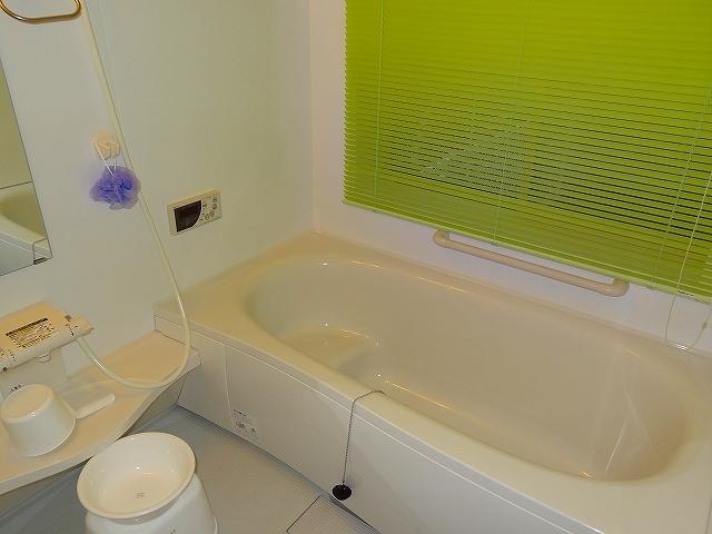 お風呂(白いコテージ)
