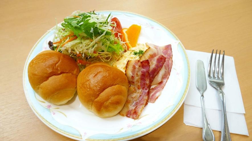・朝食は和食と洋食から選べます