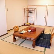 *ペットと泊まれる和室8.5畳(一例)/畳の上で愛犬と一緒にのんびりくつろぎの時間を♪