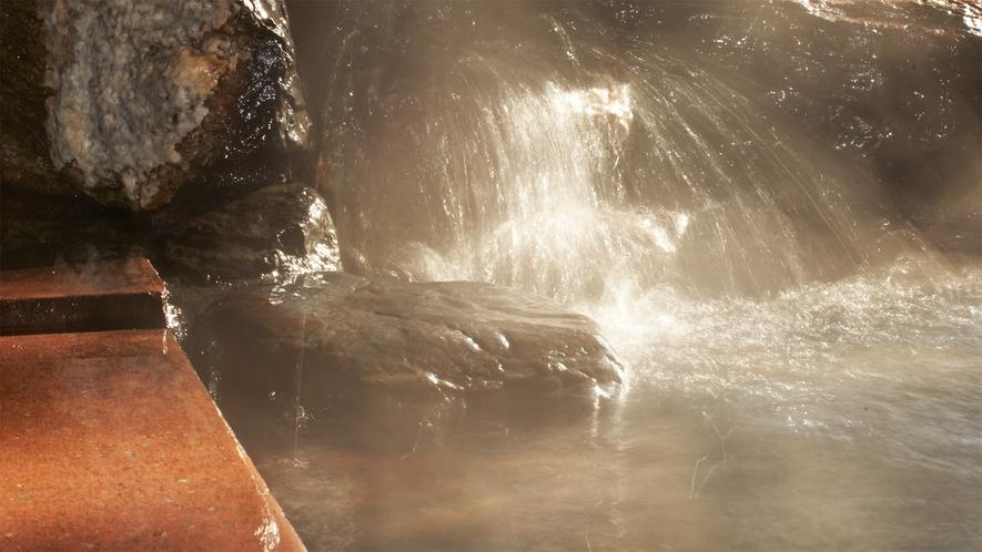 *ピリカ温泉/広々とした浴槽に良質な自家源泉がたっぷりと注がれています!
