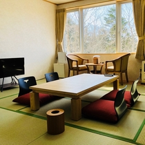 和室12.5畳(一例)/4名様までお泊まりいただける広いお部屋です。