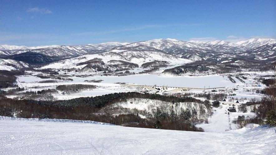 *ピリカスキー場/天気の良い日にはこのダイナミックな眺めを堪能できます!