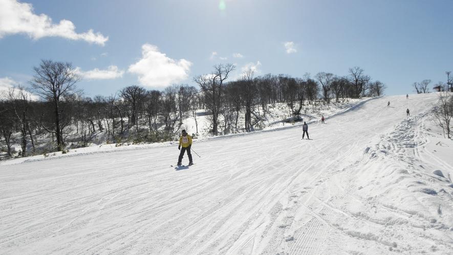 *ピリカスキー場/美利河ダムや遠くの山々を見ながら滑り降りる爽快感は格別!