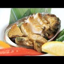 アワビはステーキが柔らかくて1番美味しいと思います…^^b