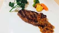 【夕食一例】グラスフェッドのリブロースステーキ