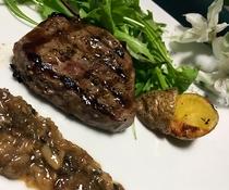 牛ランプ肉のソテー マッシュルームソース