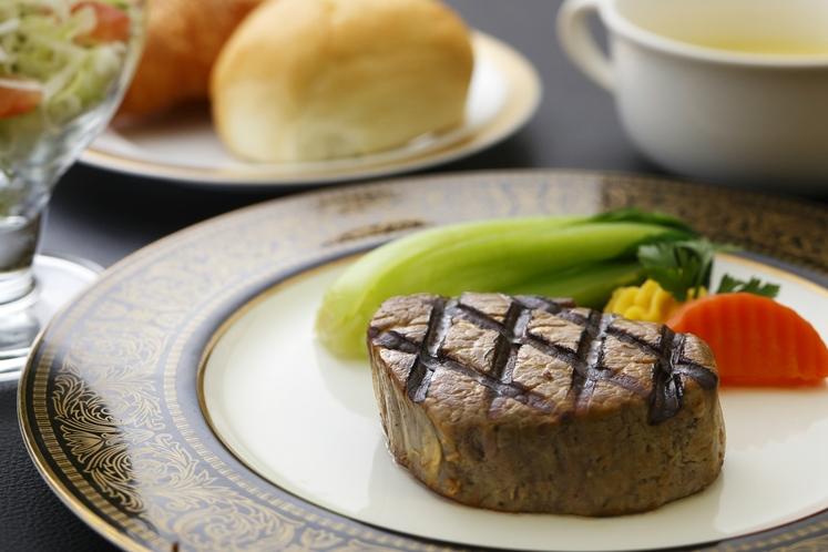 【レストラングリーン】ヒレステーキセット