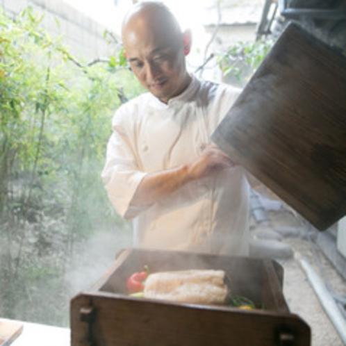夕食は梯シェフによる「鉄輪 イタリアン」を心ゆくまでお楽しみ頂きます。